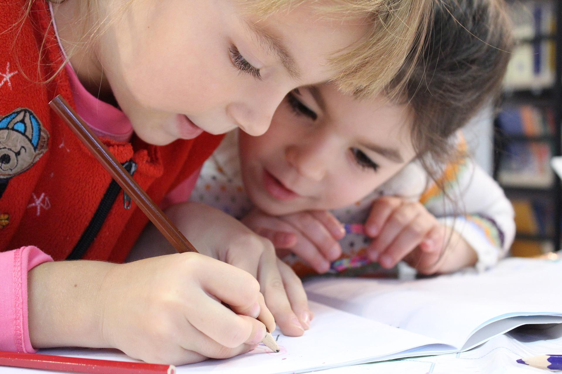 Wielojęzyczność kluczem do sukcesu.  Jak wychować dziecięcego poliglotę?